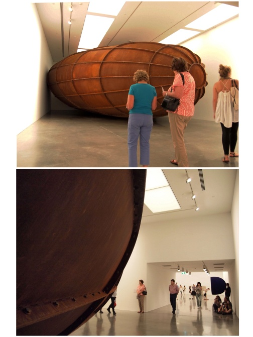 Anish Kapoor Memory, 2008 installation view, Deutsche Guggenheim, Berlin 2009 Cor-ten steel. Image courtesy the artist and Deutsche Guggenheim © the artist. Photograph: Mathias Schormann